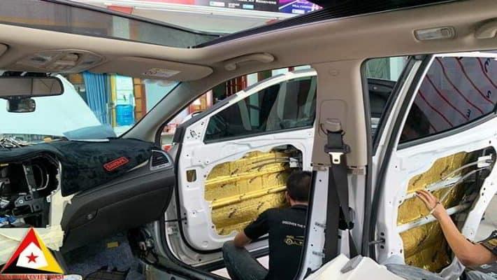 chống ồn cửa xe hơi
